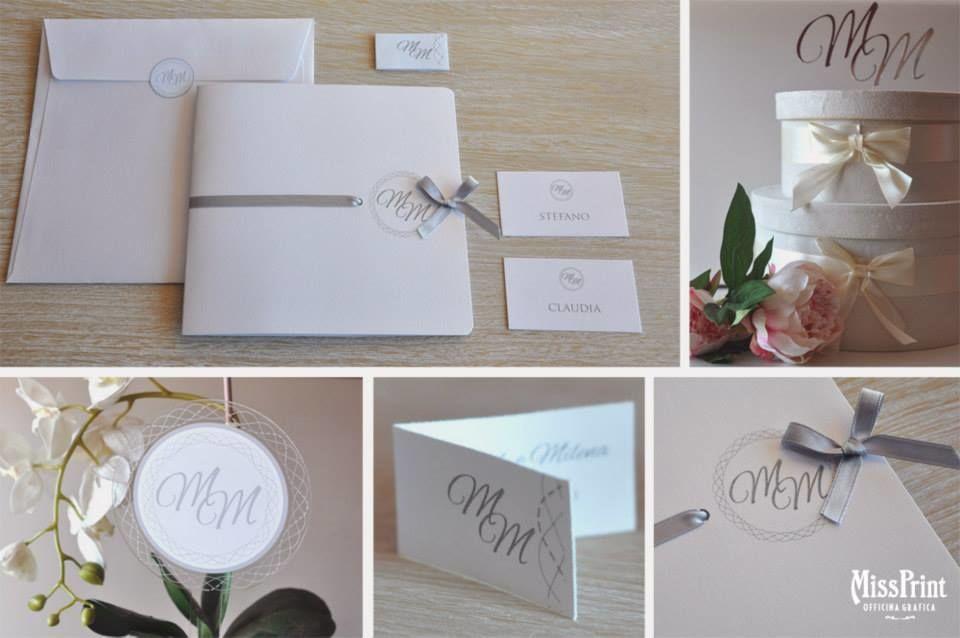 Partecipazione Wedding in Silver Coordinato: Partecipazione, Biglietto Bomboniera, Segnatavolo in plexiglass, Topper cake ed escord card