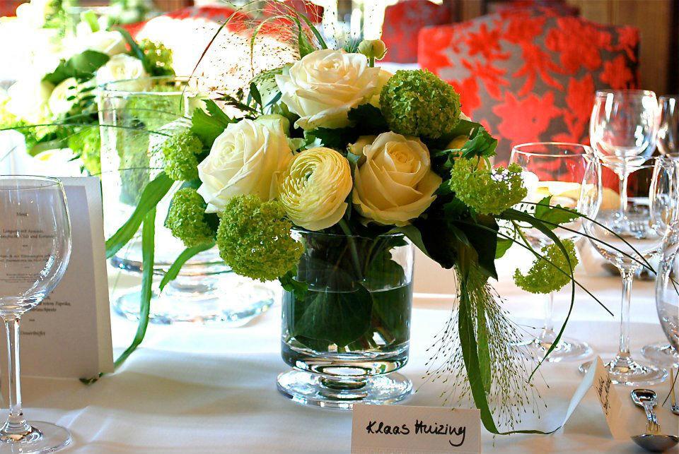 Beispiel: Tischdekoration, Foto: Blumen Becht.