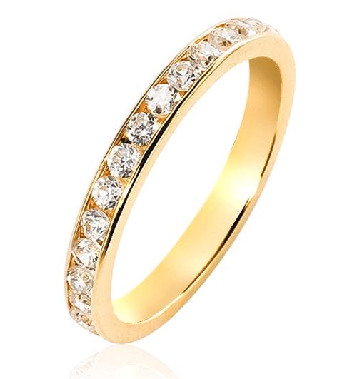 My Lady est une somptueuse alliance en or 18 carats. Succombez à la beauté des merveilleux diamants disposés en rangée pour un total d'un carat en serti rail tour complet.