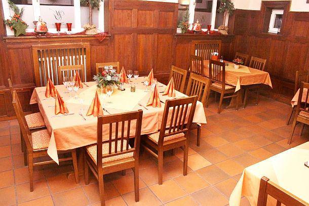 Beispiel: Große Gaststube, Foto: Waldrestaurant Schiesshaus.