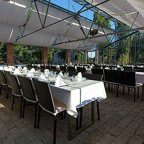 Beispiel: Tischanordnung, Foto: Hesperidengarten.
