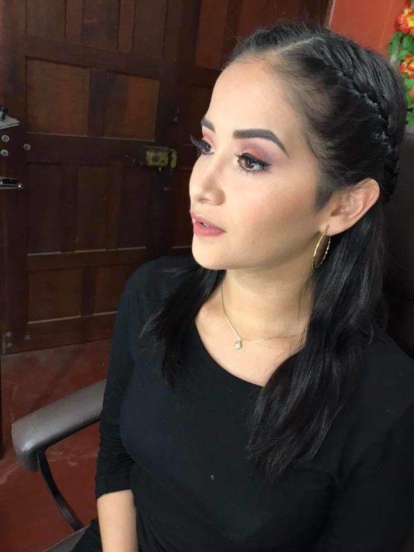 Alessandra Mendoza- Make Up Artist