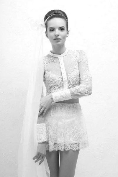 Robe de mariée courte, dentelle , Veronika Jeanvie