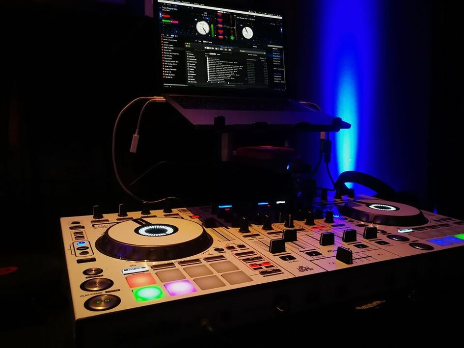 MN Sonido / DJ Nivin