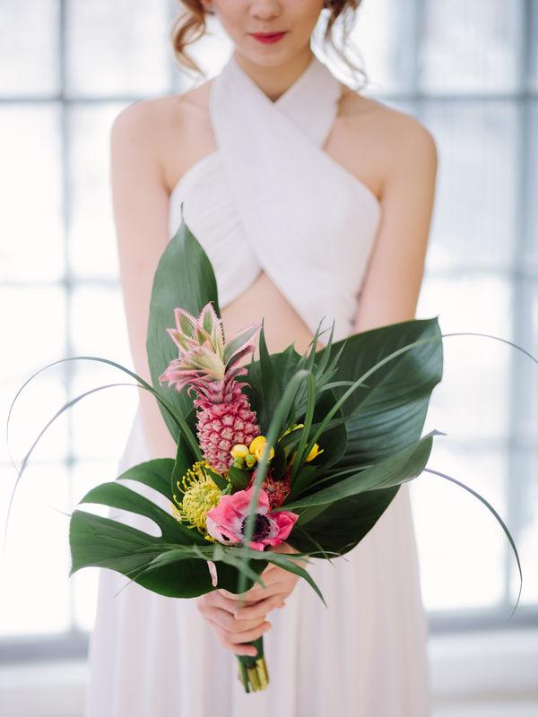 Нетрадиционный букет невесты