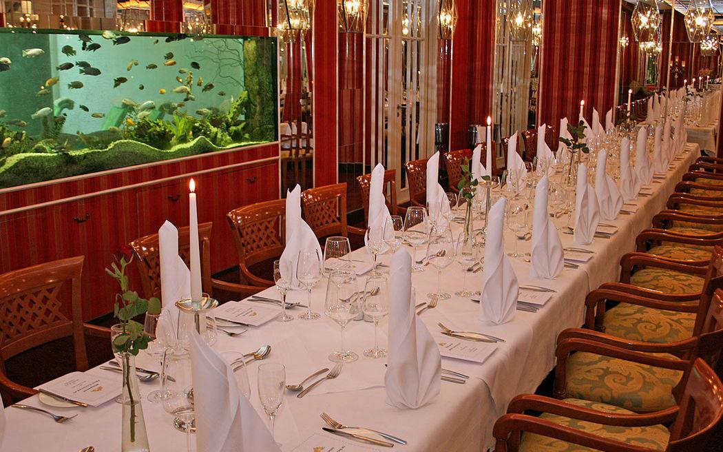 Beispiel: Roter Salon - Tafel, Foto: Hotel am See Sommerfeld.