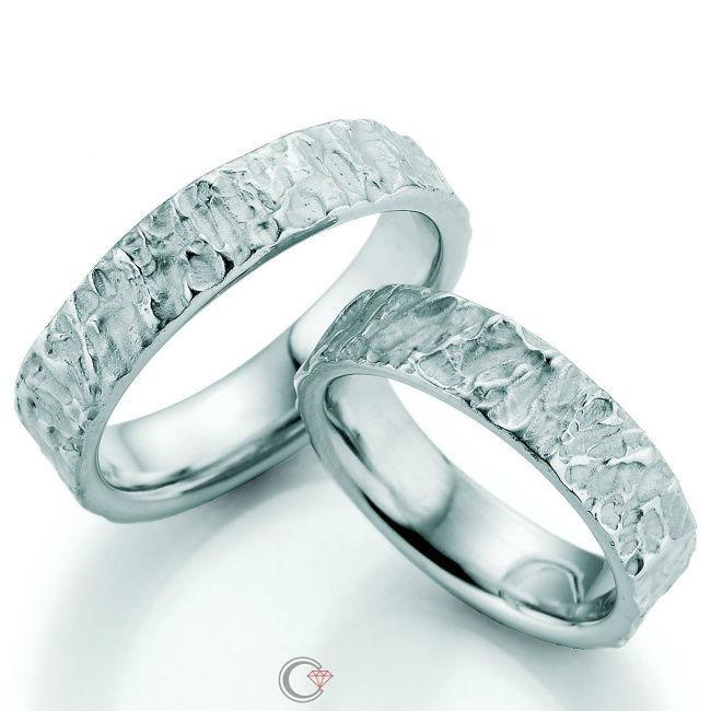 Beispiel: Ihre Ringe fürs ganze Leben, Foto: Juwelier Czaja.