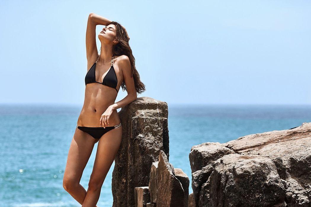 Bikini con cadenas bañadas en oro de 24k CALI GOLD