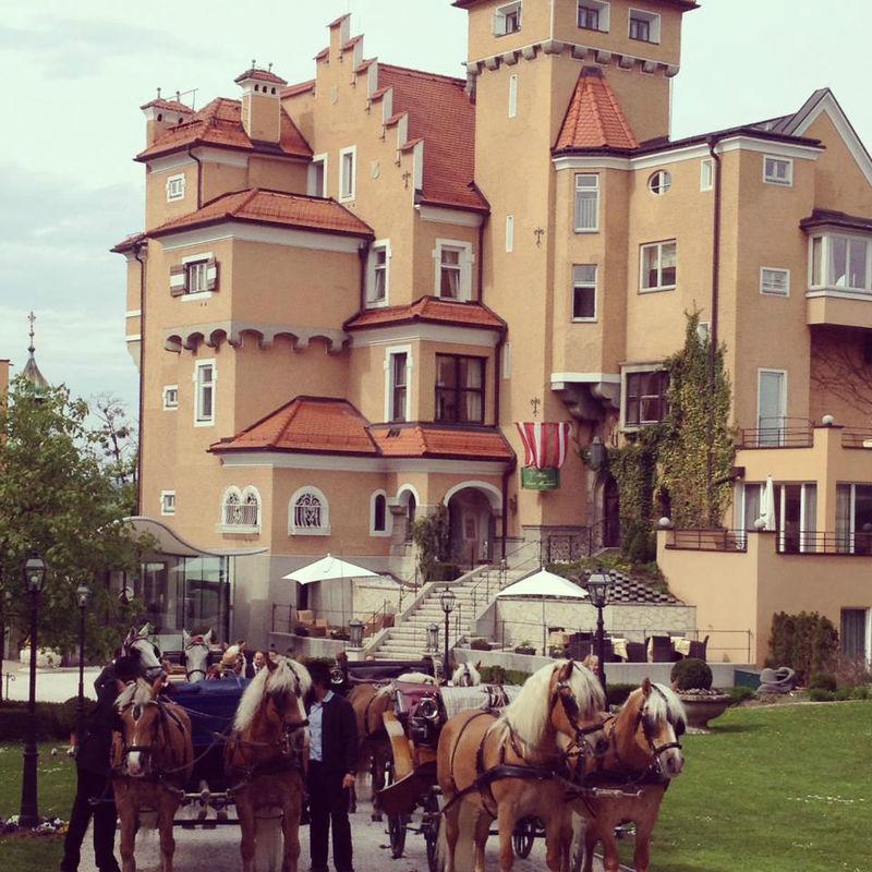 1350 erstmals erwähnt. Die perfekte Kombination aus Tradition & Moderne, Foto: Hotel Schloss Mönchstein.