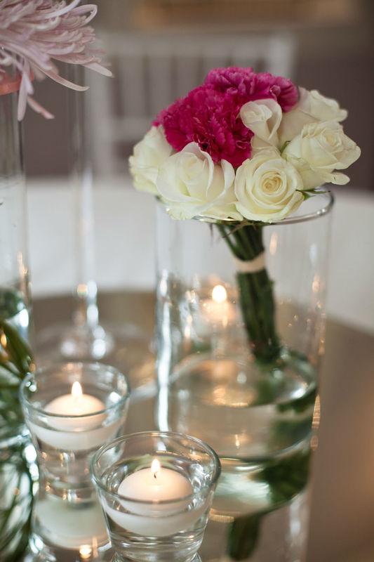 Centrotavola con rose e garofani