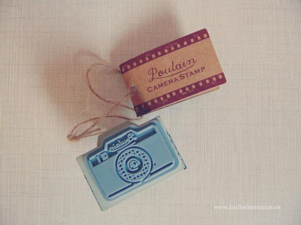 Sello de caucho y madera con forma de cámara de fotos retro. Perfecta para el libro de firmas o álbum; DIY scrapbook