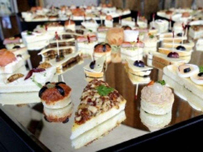 Beispiel: Schmackhafte Kuchen und Torten, Foto: Hombergerhaus.