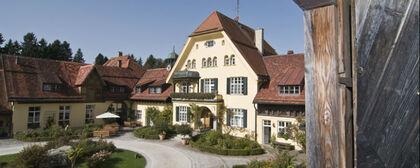 Beispiel: Ihre Hochzeitslocation, Foto: Gut Sonnenhausen.