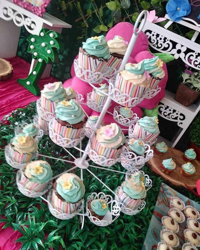 Love Love Cupcake Shop