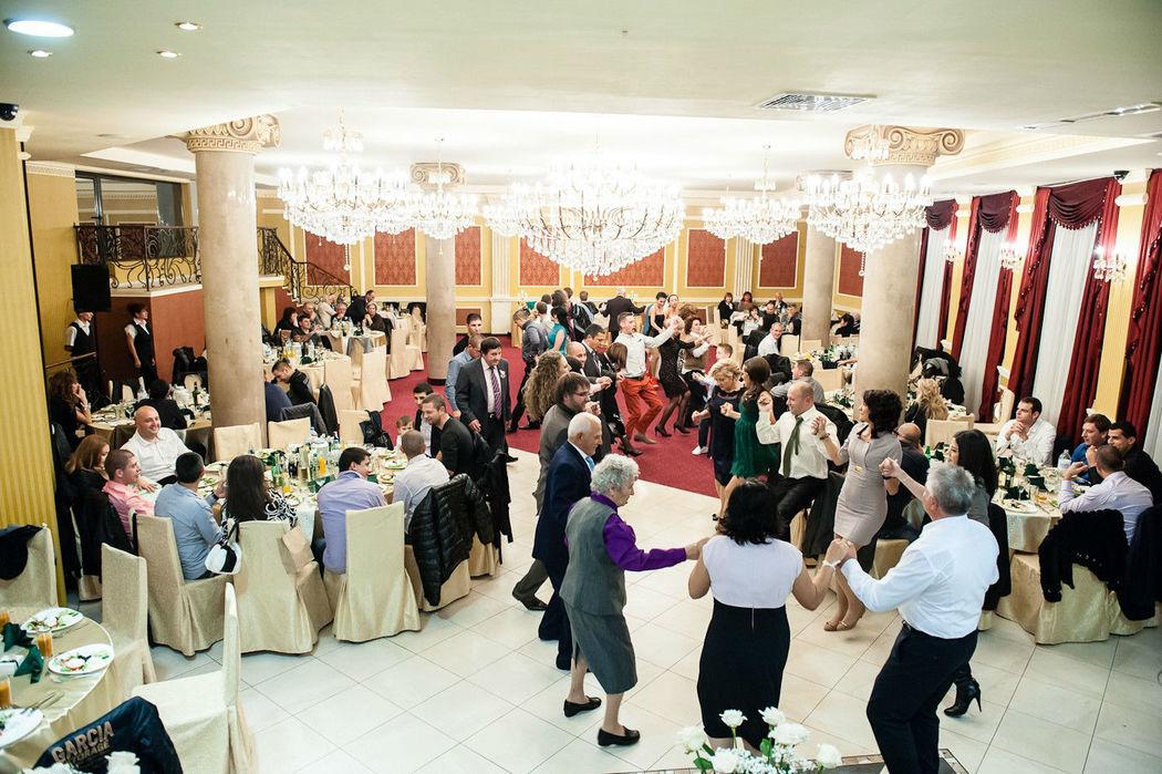 Beispiel: Ihre Hochzeitsreportage, Foto: Valphotography.