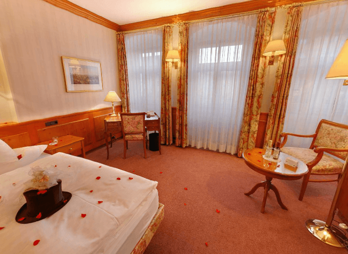 AKZENT Hotel Goldener Hirsch