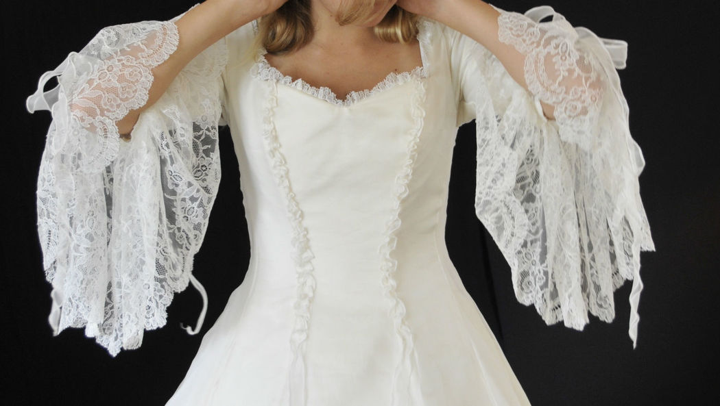 Robe de mariée Princesse Diane en soie et dentelle de Calais Agnès Szabelewski