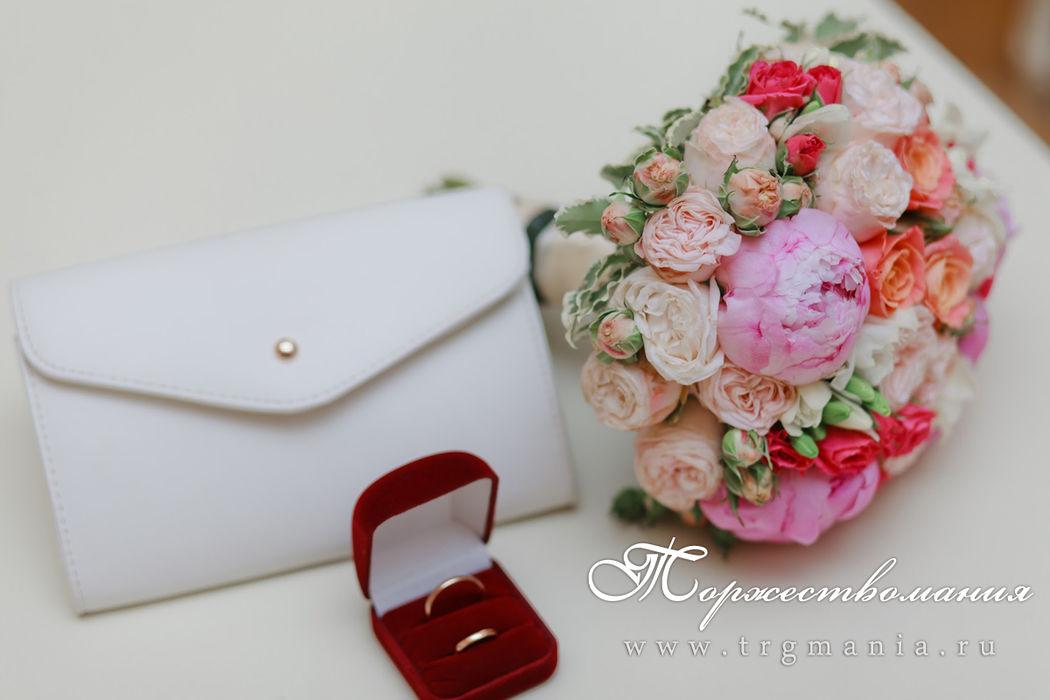 букет невесты с пионами от студии декора и флористики торжествомания