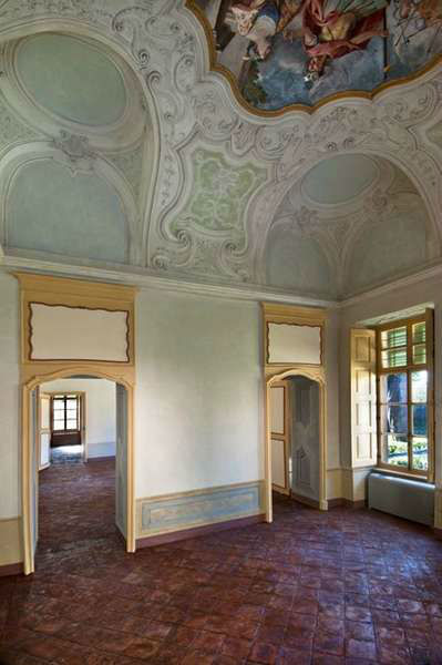 Villa Bria ..... in tutte le Sale dei due piani...