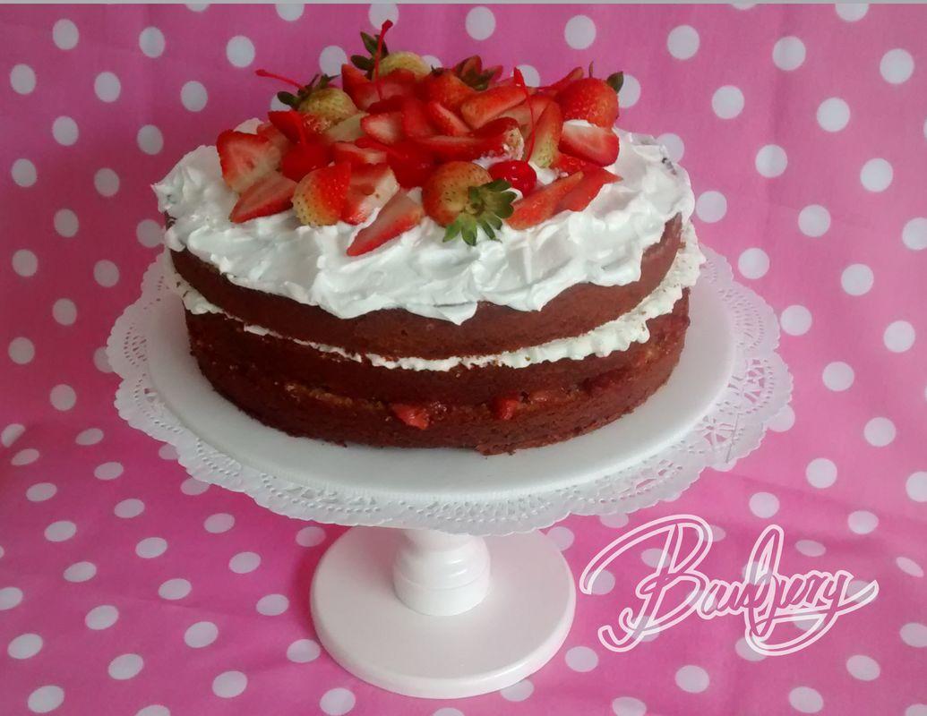 Naked cake de fresas con crema