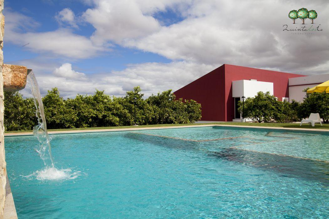 Quinta dos I's  Piscina e Jardim