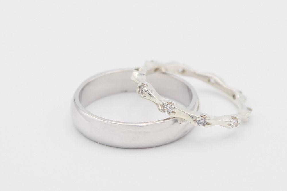 Argollas de matrimonio en oro blanco y diez diamantes de .02ct