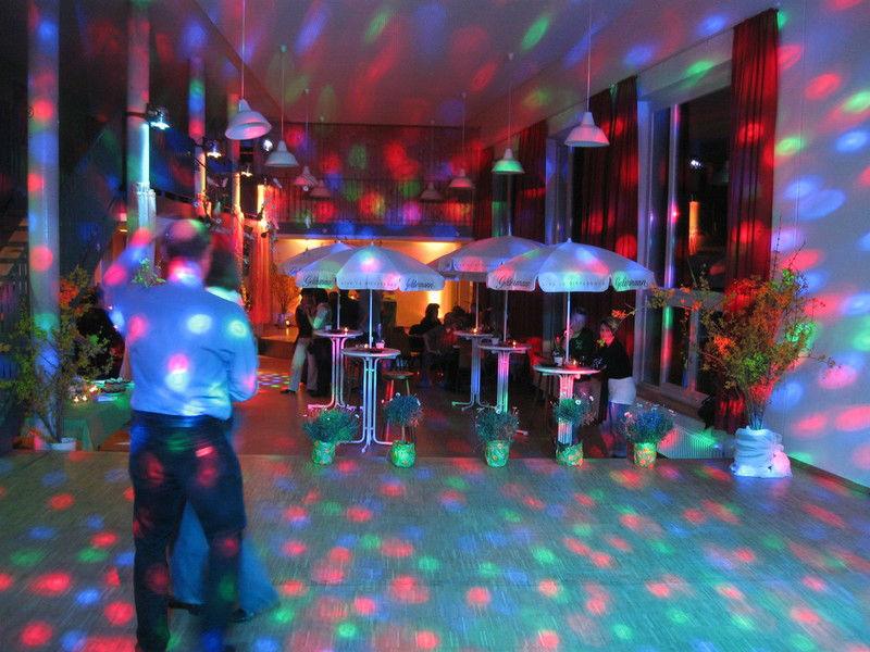 Beispiel: Auftritt, Foto: Mobil Disco Voyages.
