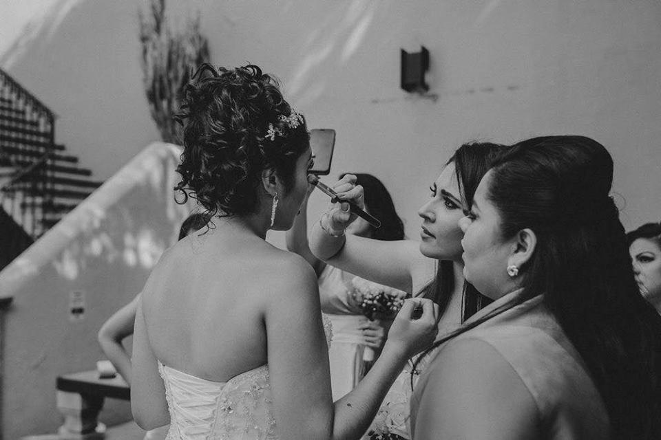 Adri Rivas Makeup