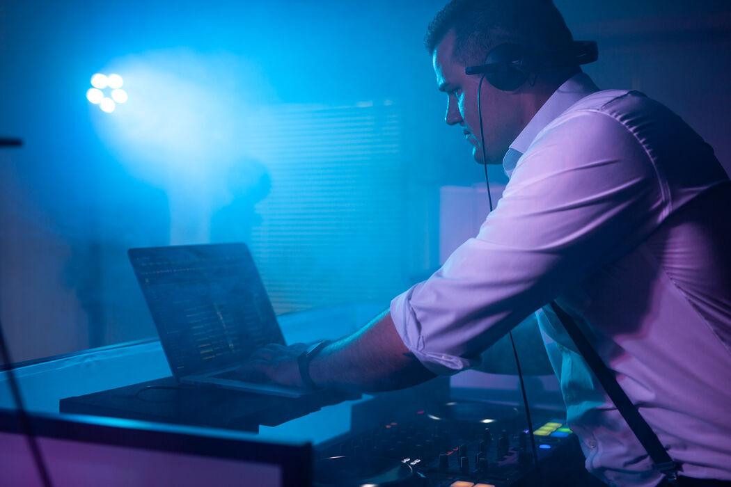 Roland Firnkes DJ
