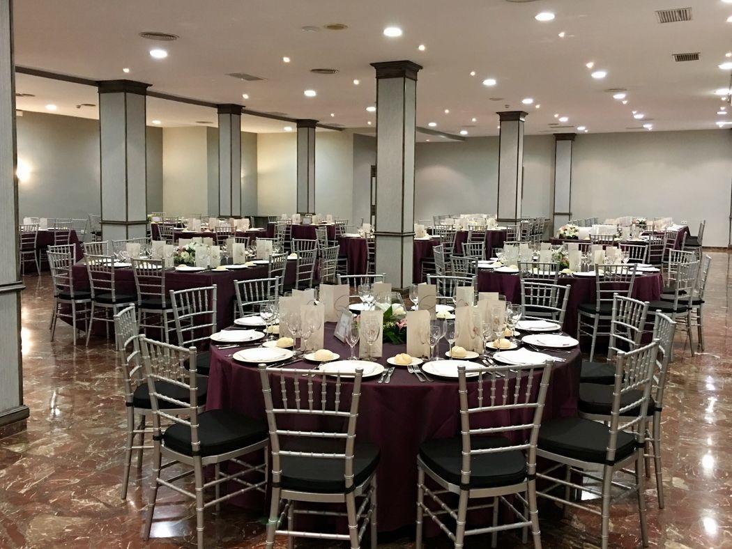 Banquete en salón Séneca