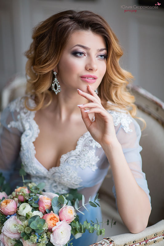 Утро невесты в нежно-голубых тонах.