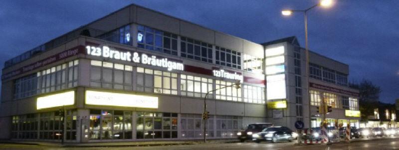 Beispiel: Das Geschäft, Foto: 123 Braut & Bräutigam.