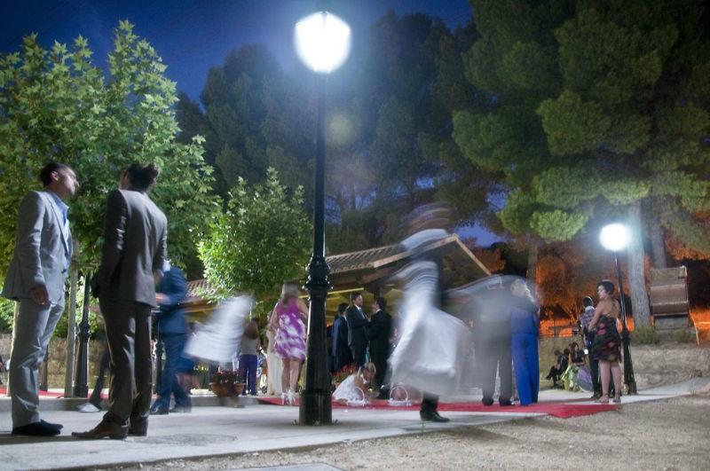 Celebración nocturna al exterior