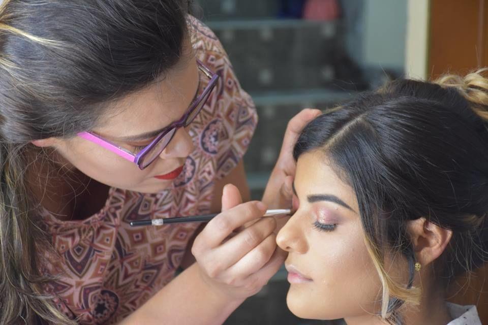 Ale Hernández Make Up
