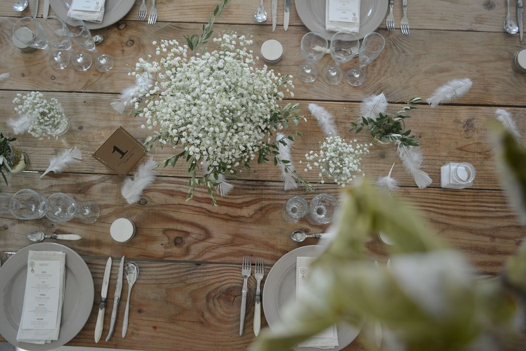 Table d'honneur en bois brut. Floasis Events wedding planner