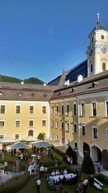Beispiel: Hochzeit im Schlossgarten, Foto: Romantik Hotel Schloss Mondsee.