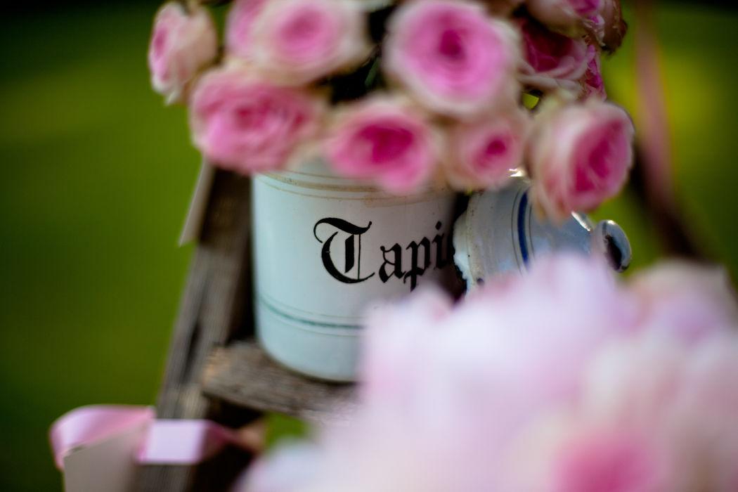 Mariage de Maud & Laurent, Domaine de la Catrache, plan de table par A Fleur et à Mesure, Crédit Fanny Dion