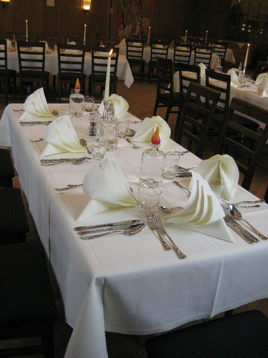 Beispiel: Tischdekoration, Foto: AKZENT Brauerei Hotel Hirsch.