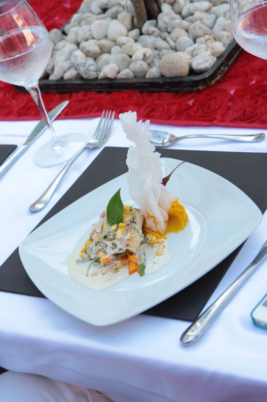 platillo filete de pescado con rissoto de maiz
