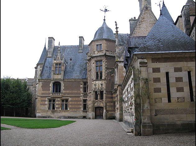 Château d'Ainay Le vieil