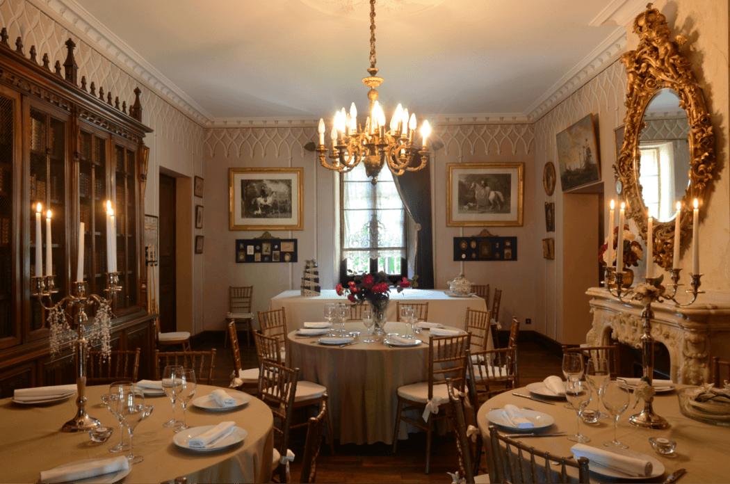 Château La Commanderie Salle de Billiard