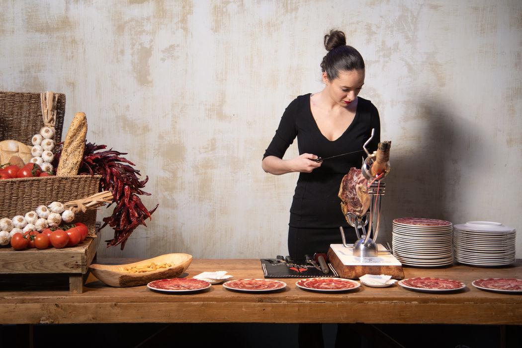 Maître coupeuse de Jambon Raquel Acosta