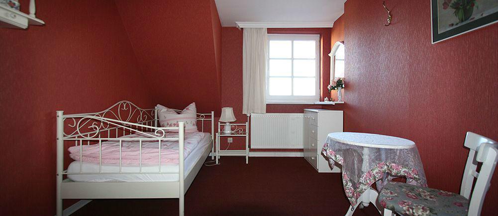 Beispiel: Gästezimmer, Foto: Gutshof Wilsickow.