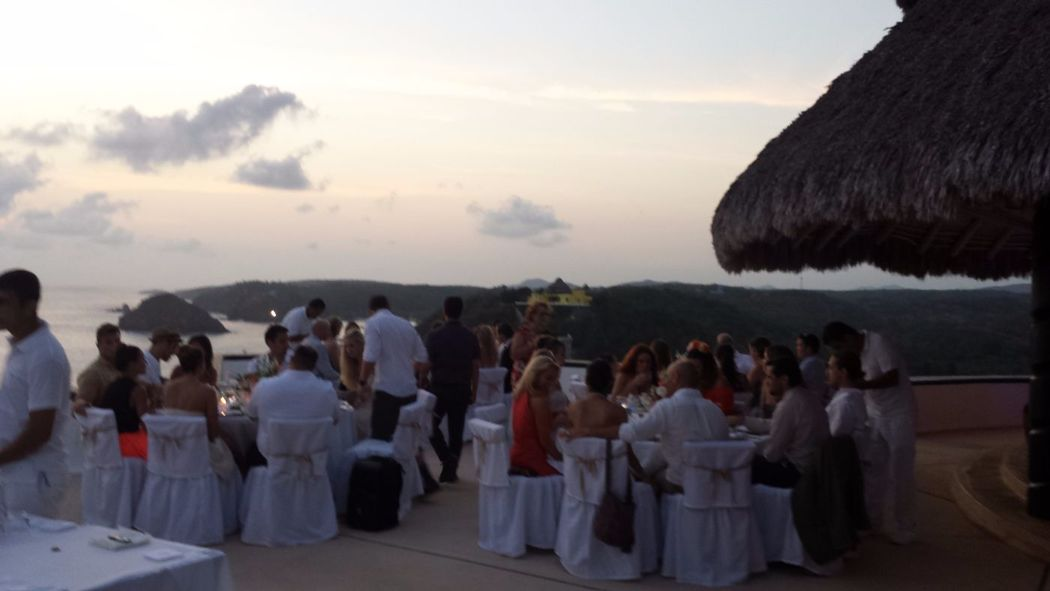 WEDDING CAREYES 2