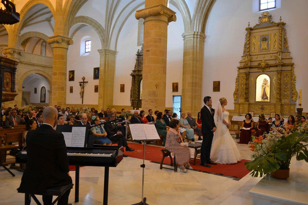 Ceremonia religiosa en la iglesia de Santa María Magdalena de Cehegín (Murcia)