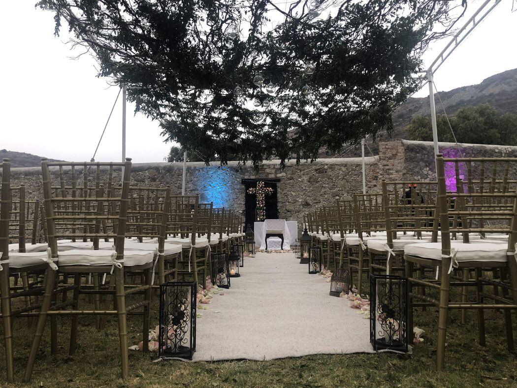 Daniela Valencia Wedding & Event Planner