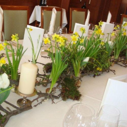 Beispiel: Tischdekoration, Foto: AZ- Floristik und Dekoration.