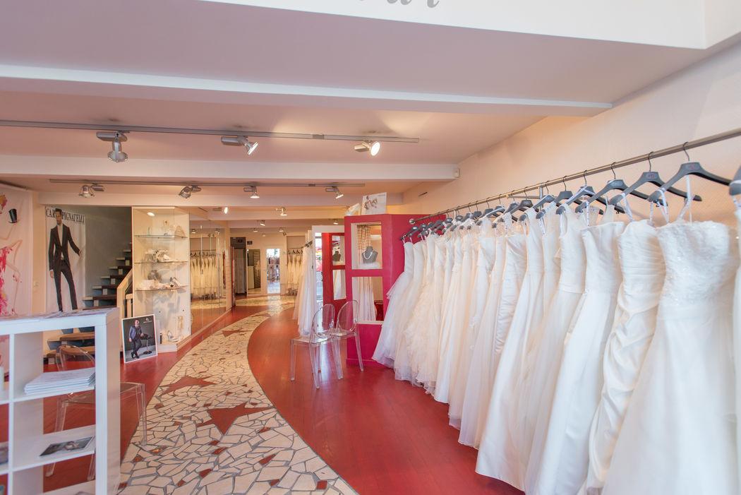 Rez de chaussée-Boutique Femme, Robes de mariée et Tenues habillées
