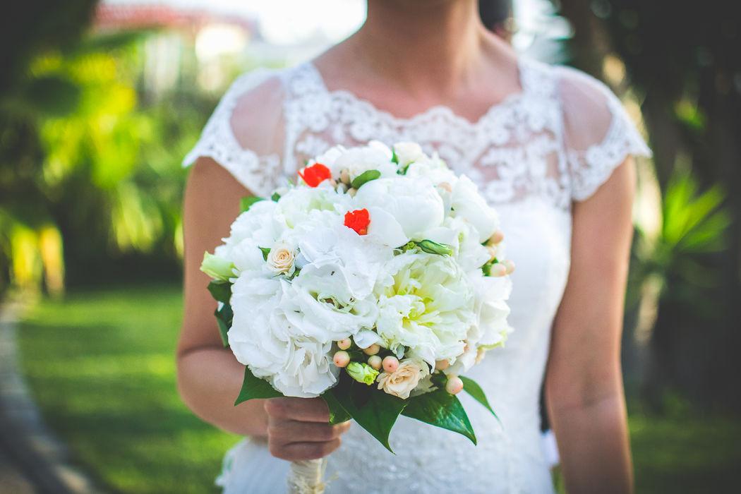 C+E El ramo - efeunoocho fotografía de boda