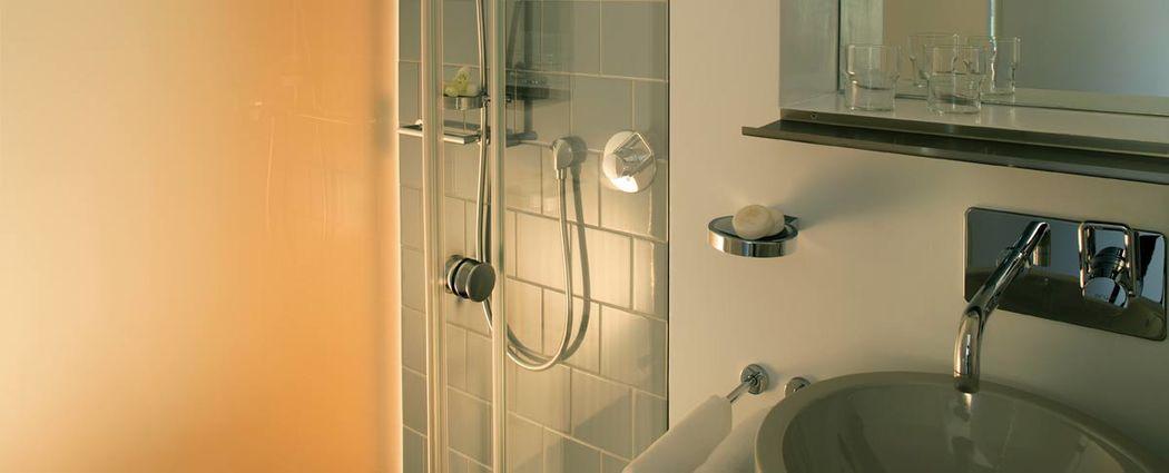 Beispiel: Badezimmer, Foto: Jugendstil-Hotel Paxmontana.